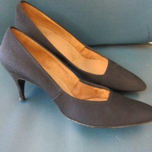 Vintage Black Leather Kitten Heel Pumps Size 8.5
